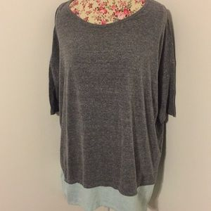 LuLaRoe brand woman's med top plus sized tunic